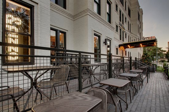 Rooftop bar picture of hotel hive washington dc tripadvisor - The hive inn hotel ...