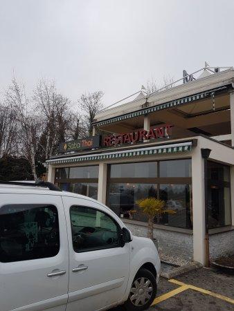 Etoy, Switzerland: devant le restaurant