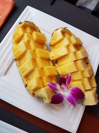 Etoy, Switzerland: dessert anans