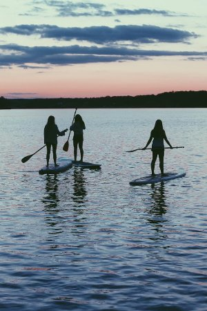 Smith Lake B&B: Paddle Boarding