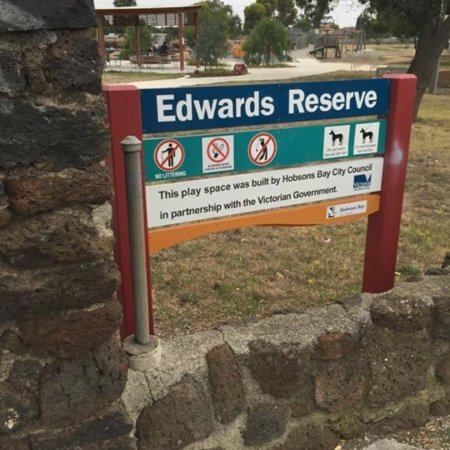 ‪Edwards Reserve‬