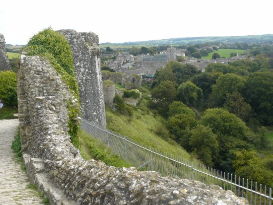Corfe Castle: Looking down Western Wall from close to Gatehouse to Middle Bailey.