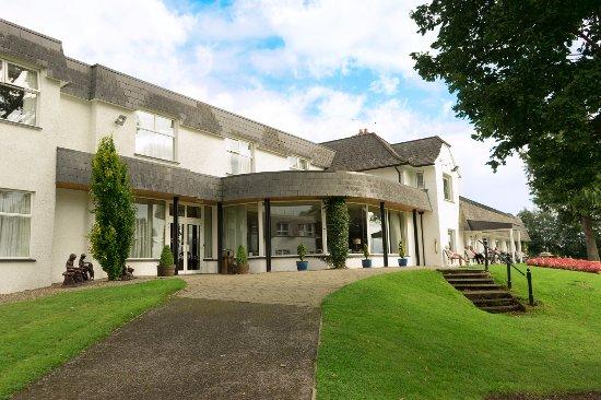 Entrance - Picture of Killyhevlin Lakeside Hotel & Lodges, Enniskillen - Tripadvisor