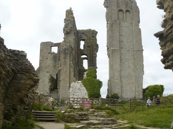 Corfe Castle: Remains of Great Tower from The Gloriette.