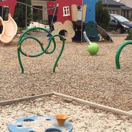 Point Cook, Australia: Flower Pot Playground