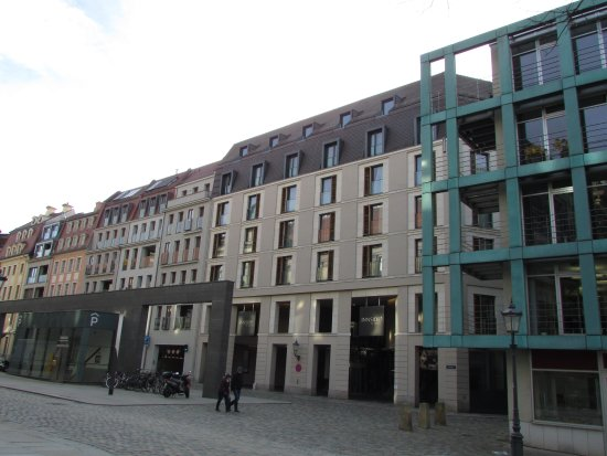 INNSIDE by Meliá Dresden: Front of hotel building