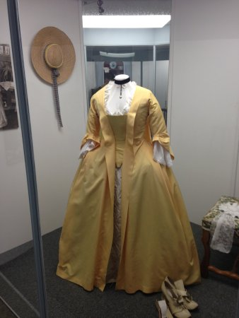 Louisbourg, Kanada: Yellow Dress