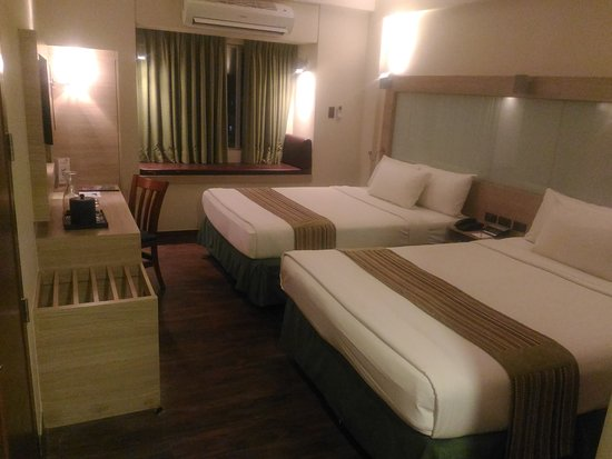 Microtel Inn & Suites by Wyndham Baguio: P_20171204_184327_large.jpg