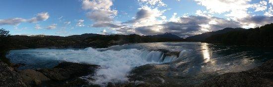 Puerto Bertrand, Chile: Confluencia Rio Baker y Rio Neff, a tan solo minutos de Green Baker Lodge.