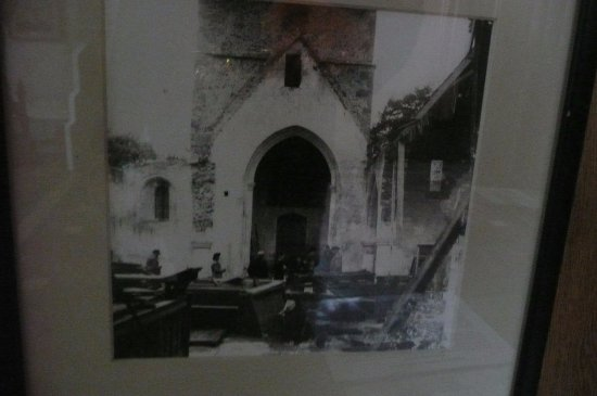 ‪‪Challock‬, UK: An old photo of the ruined church‬
