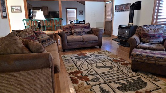 Living Room Cabin 22