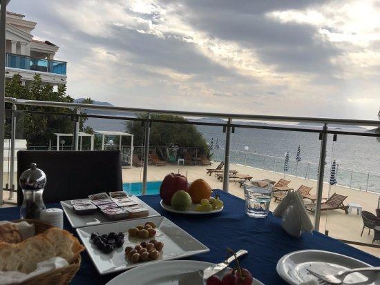 Hotel Cachet: Breakfast