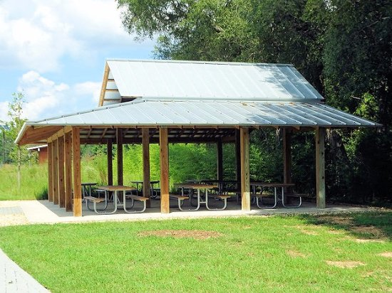 Wake Forest, North Carolina: picnic area (first come first serve)