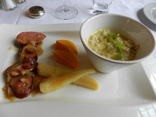 Congis-sur-Therouanne, France: Diots de savoie,panais,purée de butternut,crozets sauce au fromage