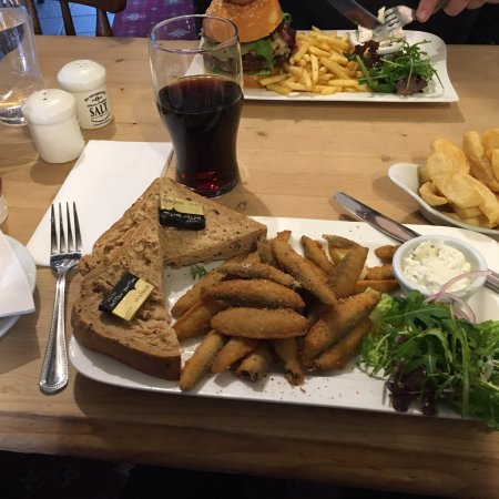 Brightlingsea, UK: Food was very good value and quality the starter was huge and delicious. Will go back again - Al