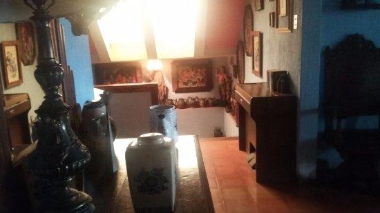 Posada San Sebastian: Common area or art gallery?