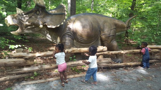 Newport News, VA: Dino exhibit