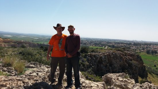 Hotem Hacarmel Nature Reserve: View on top in direction of nose (hotem)