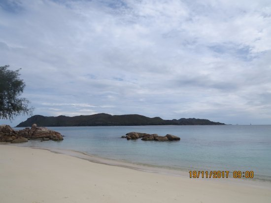 Anse Takamaka, Seychelles: praia do hotel