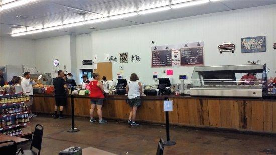 Scott, LA: Inside counter