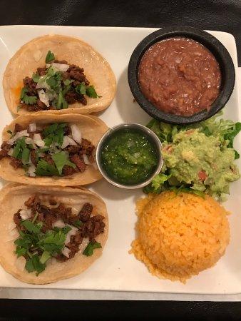Casa Lupita Cafe: 3 Super Tacos platter