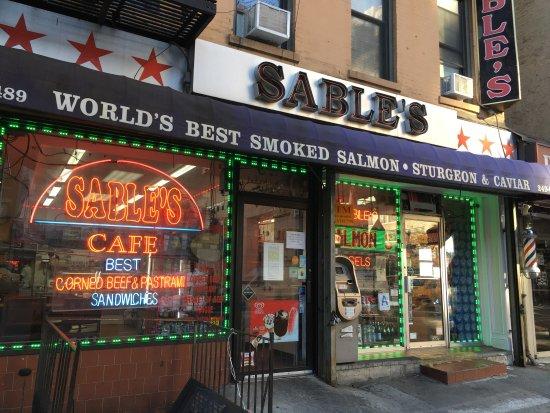 Nh c a sable 39 s smoked fish th nh ph new for Sable s smoked fish