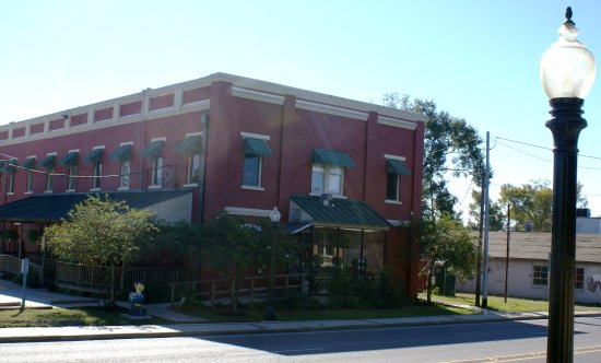 Olde Towne Slidell Main Street: Chamber of Commerce & Front Street Marketplace