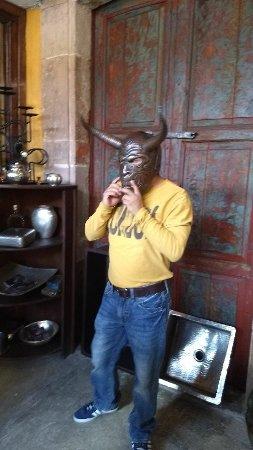 Santa Clara del Cobre: mascaras hechas de cobre