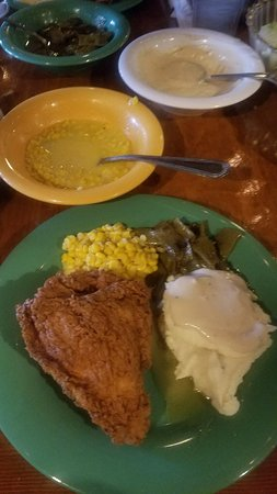 Babe's Chicken Dinner House: Fried Chicken and Salad