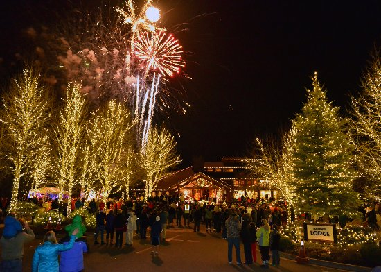 Sunriver, OR: Annual Grand Illumination Celebration
