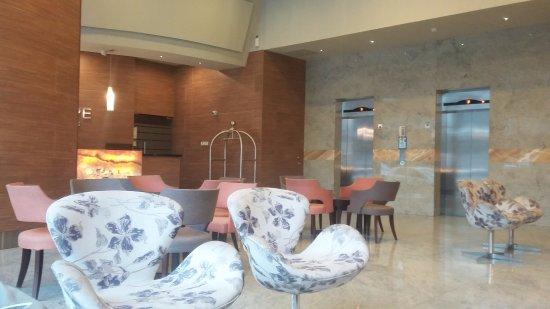 Hotel Principe & Suites: Lobby area