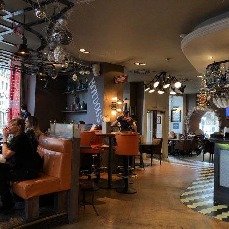 Restaurante The Huxley