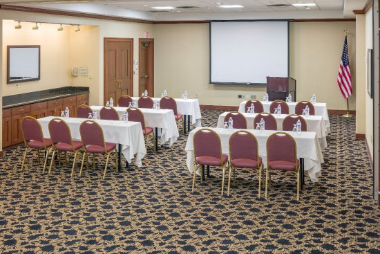 Chelsea, Массачусетс: Comfortable event and meeting space - ask about our meeting packages.