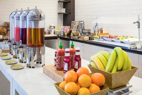 Chelsea, Массачусетс: A fresh and healthy breakfast is available each and every morning before you head into Boston.