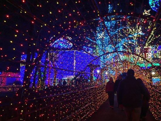 Branson, MO: tunnel of lights