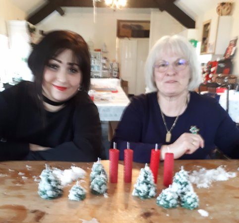Dwyran, UK: Christmas Candle Making