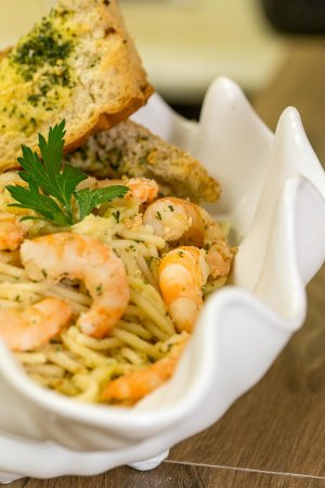 Rosedale, MD: Shrimp Scampi over pasta