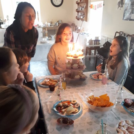 Dwyran, UK: Birthday Party at The Candle Alchemist
