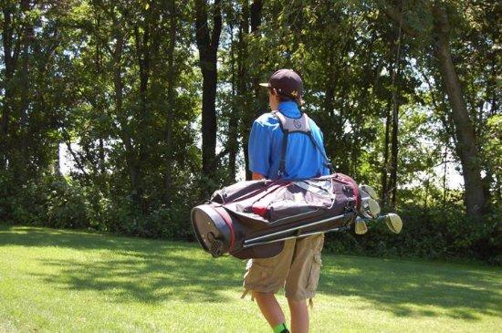 Peosta, IA: Golfer