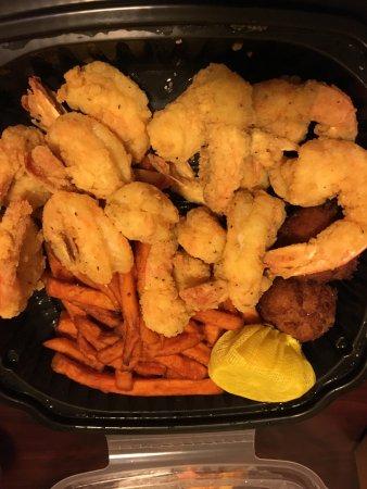 Hank's Seafood Restaurant : Fried shrimp platter