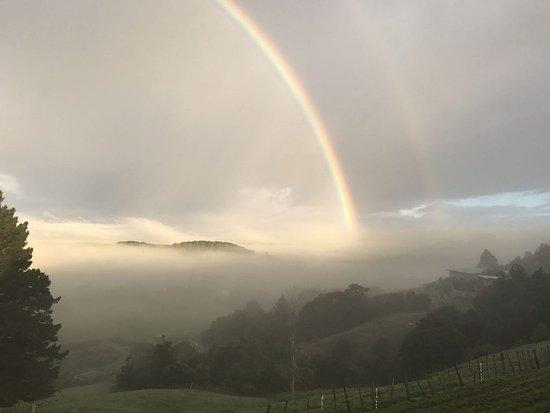 Waimauku, Nya Zeeland: Winter rainbow magic