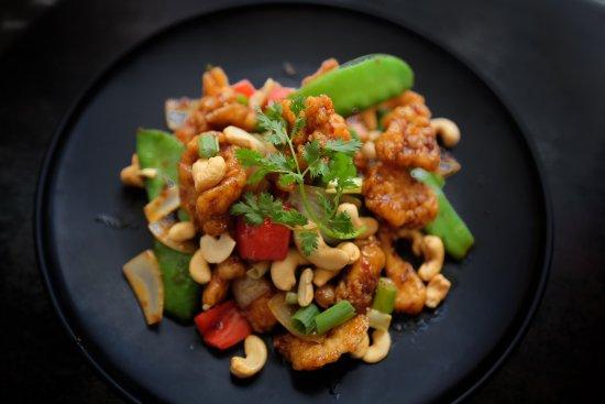 Coolum Beach, Australia: Crispy chicken Cashew nuts stir-fry