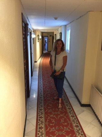 Hotel Dona Maria: Hotel 2nd floor corridor