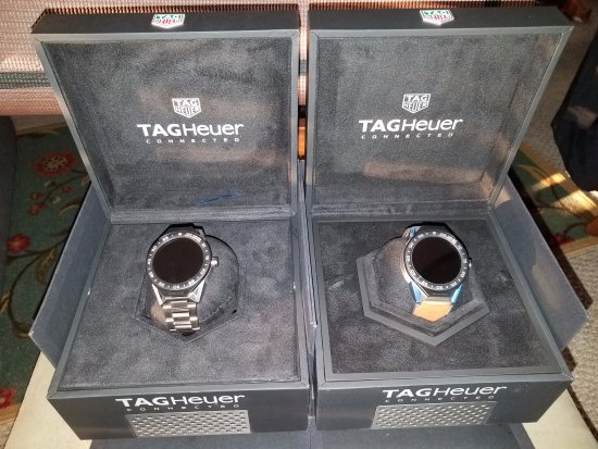 Costa Maya, Meksiko: New TAG Heuer Titanium and Leather Connected Modular 45 Watches. Thanks Limberth!