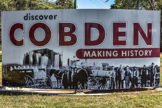 Cobden, Australia: Town Entrance sign