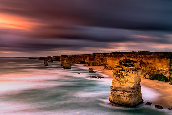 Port Campbell Hostel: 12 Apostles. Right Down the road