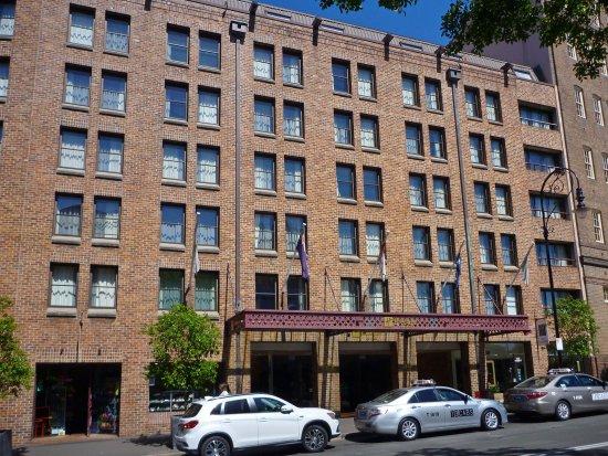 Holiday Inn Old Sydney: Hotel exterior