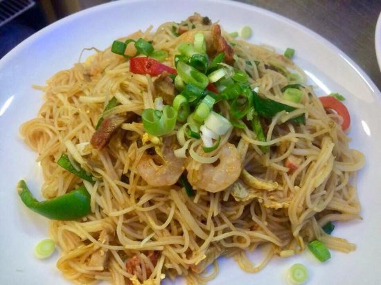 Coco House Cafe: Singaporean Noodle
