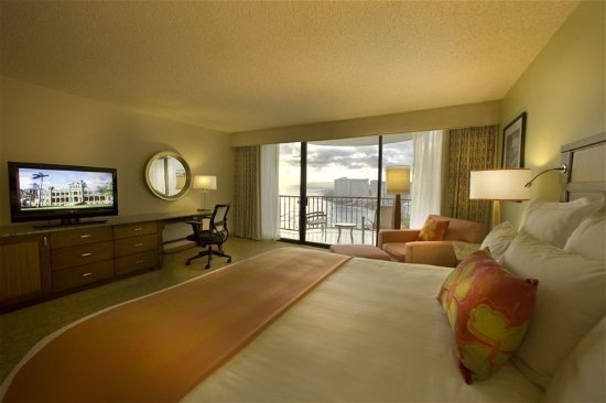 Waikiki Beach Marriott Resort & Spa: Guest room