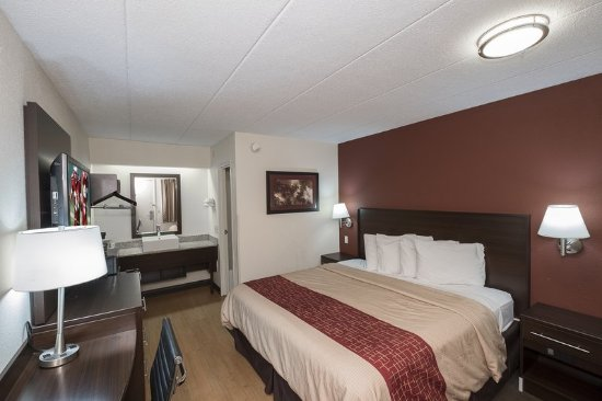 Maumee, OH: Guest room